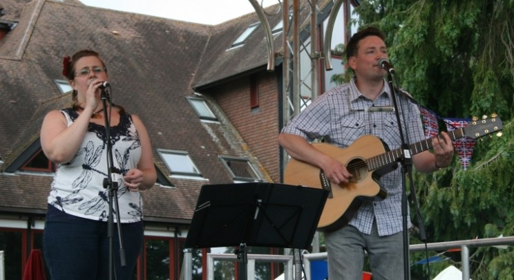 Dragonfly Rhythms - Live Band - Live Music - Acoustic Duo - DJ - Wedding Band - Newbury Berkshire